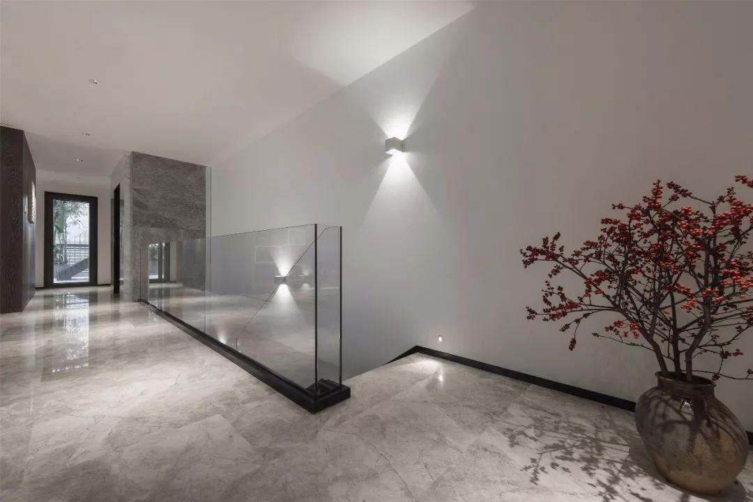 白+灰,极简家装设计_推广发展_室内设计联盟-by中式景观设计的宣传趋势图片