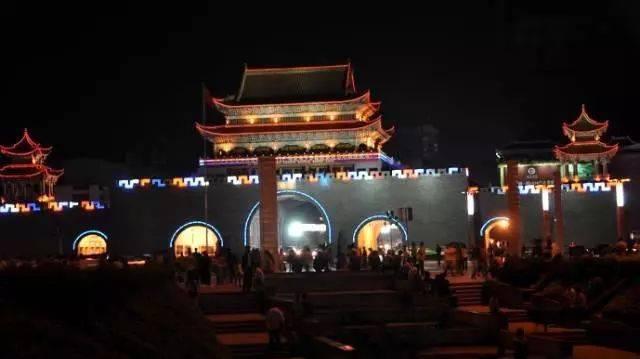 """曲靖是云南省重要工商城市,综合实力居云南省第二位,是云南省""""滇中"""